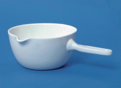 LLG-Porcelain casserole with handle